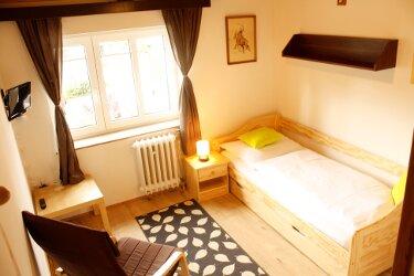 single bed room 1